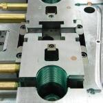 Пресс-форма на резьбовой патрон