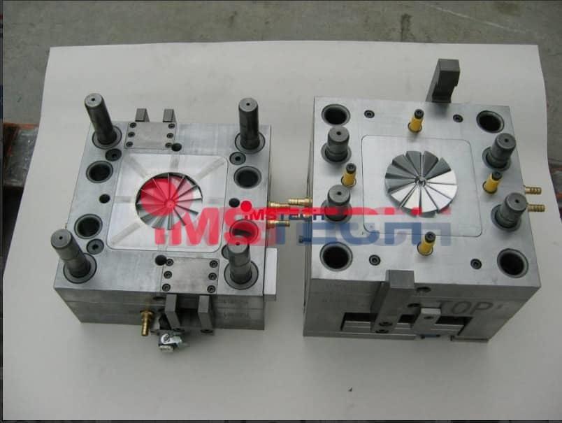 Принцип работы термопластавтомата